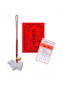 Малый бык-нэцкэ (символ 2021 года) с омикудзи от Yakushigama [35×25мм]